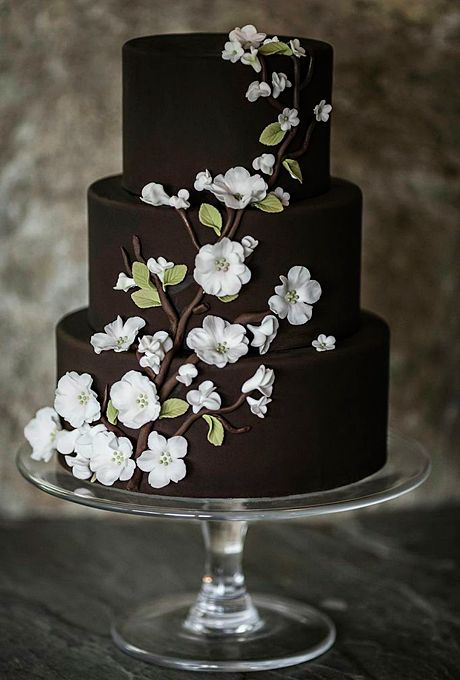 Ten Over-The-Top Wedding Cakes You\'ll Actually Like | The Marrying Kind